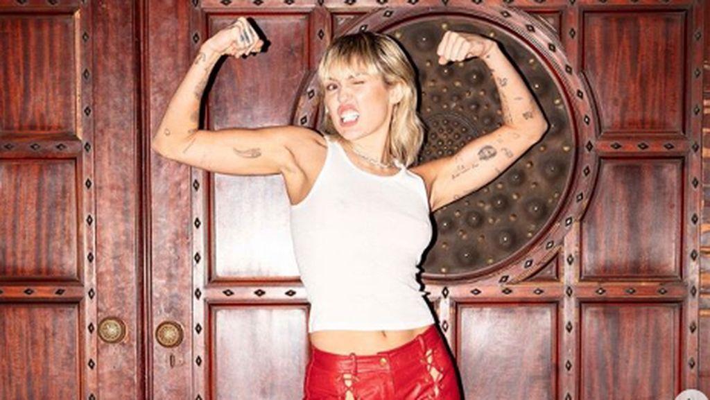 Anya Geraldine Ngaku Jarang Mandi, Miley Cyrus Lebih Parah