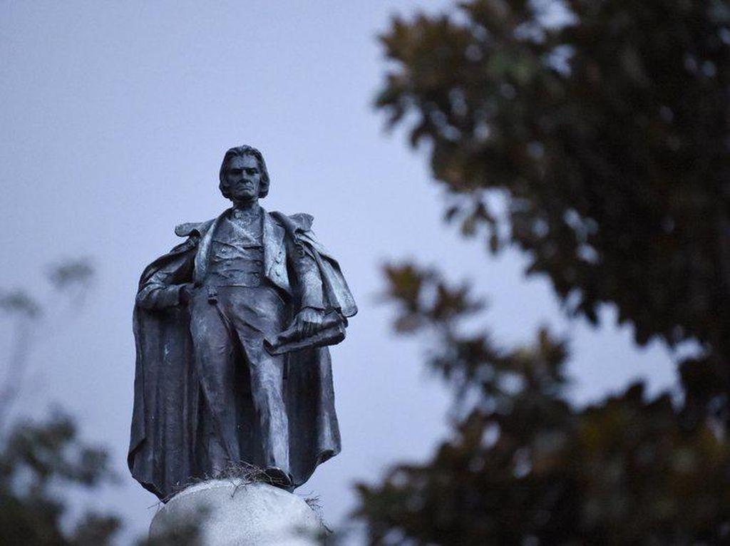 Dianggap Pembela Perbudakan, Patung Wapres ke-7 AS Akan Dipindahkan