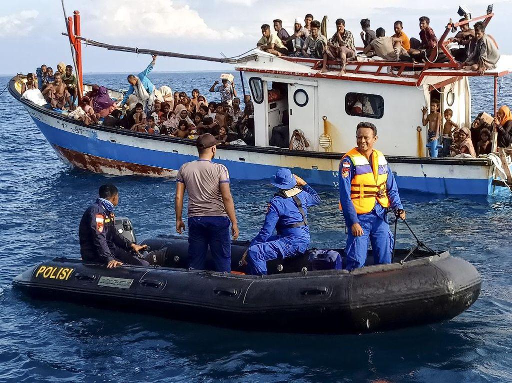 Selamatkan Pengungsi Rohingya di Aceh, RI Selidiki Dugaan Penyelundupan Manusia