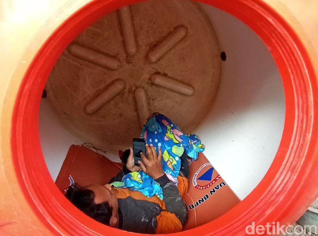 Relawan Korban Corona yang Isolasi Diri di Tangki Diganjar Hadiah BNBP