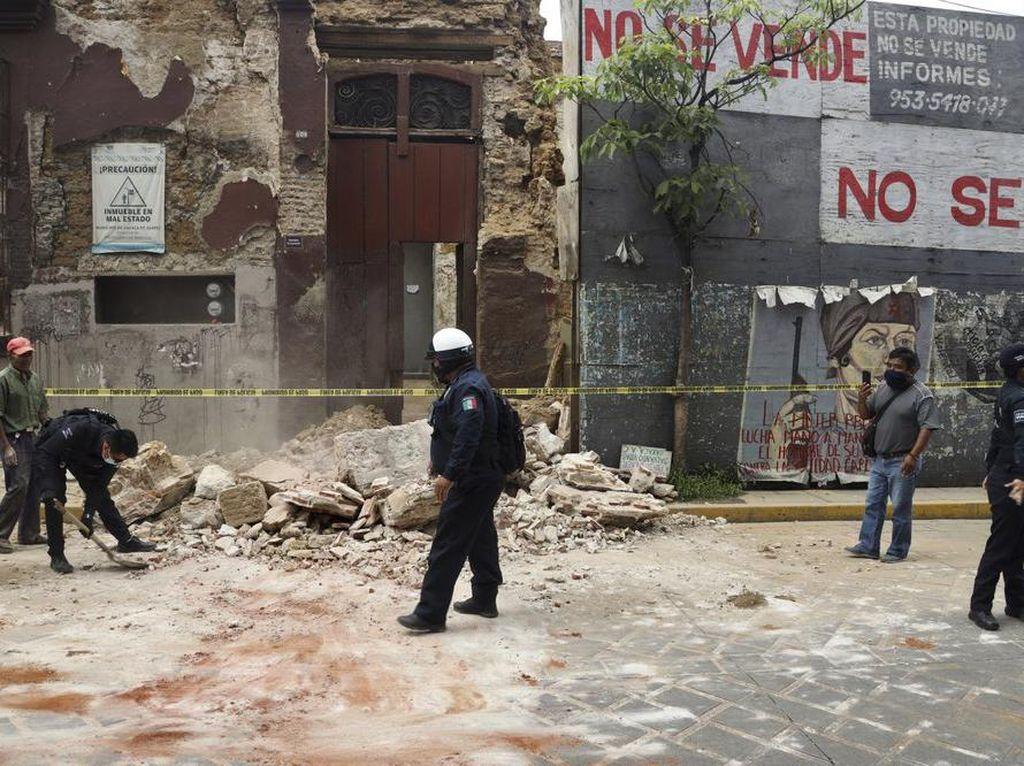 4 Orang Dilaporkan Tewas Akibat Gempa M 7,4 Meksiko Selatan