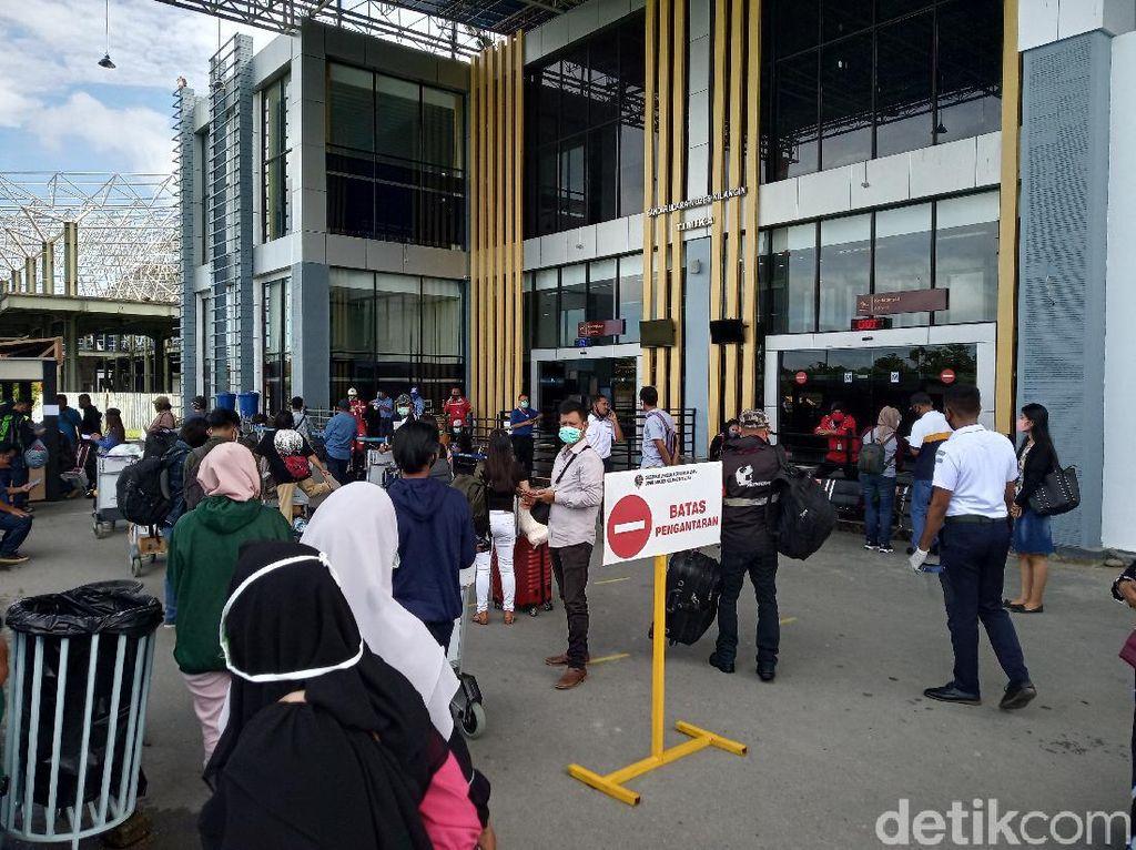 Penerbangan Berangsur Normal, Ribuan Orang Keluar dari Timika