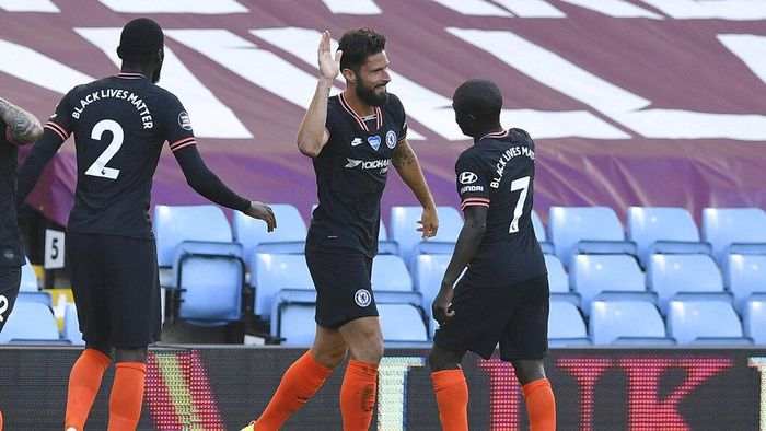 Chelseas Olivier Giroud, center, celebrates after scoring his sides second goal during the English Premier League soccer match between Aston Villa and Chelsea at the Villa Park stadium in Birmingham, England, Sunday, June 21, 2020. (Justin Tallis/Pool via AP)