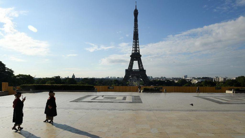 Menara Eiffel Sudah Dibuka Nih Gaes