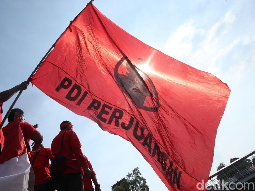 Survei SMRC: PDIP Dominan, Hanya 5 Partai Lolos ke DPR dengan PT 4%