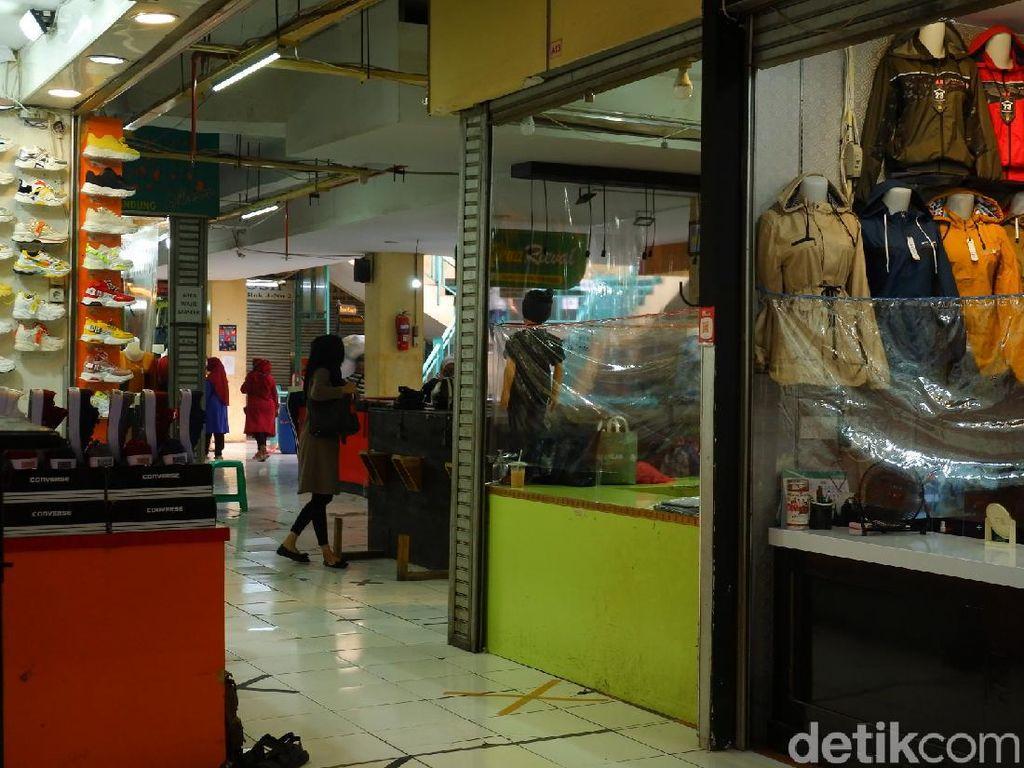 Cegah Corona, Pasar Andir Bandung Terapkan Ganjil-Genap