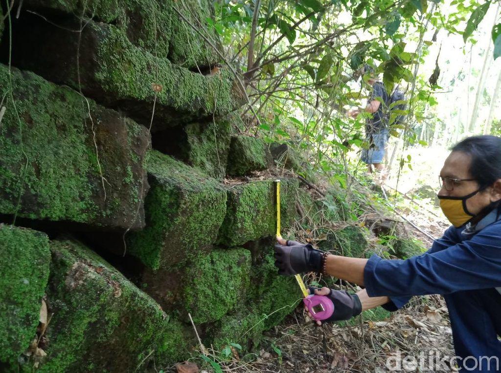 Batu Besar Diduga Candi hingga Yoni Ditemukan di Ladang Klaten