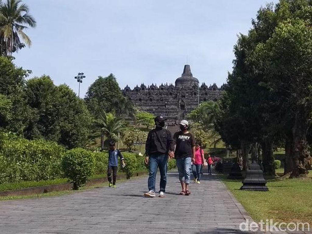 Candi Borobudur Mulai Dibuka, Pengunjung Masih Sepi