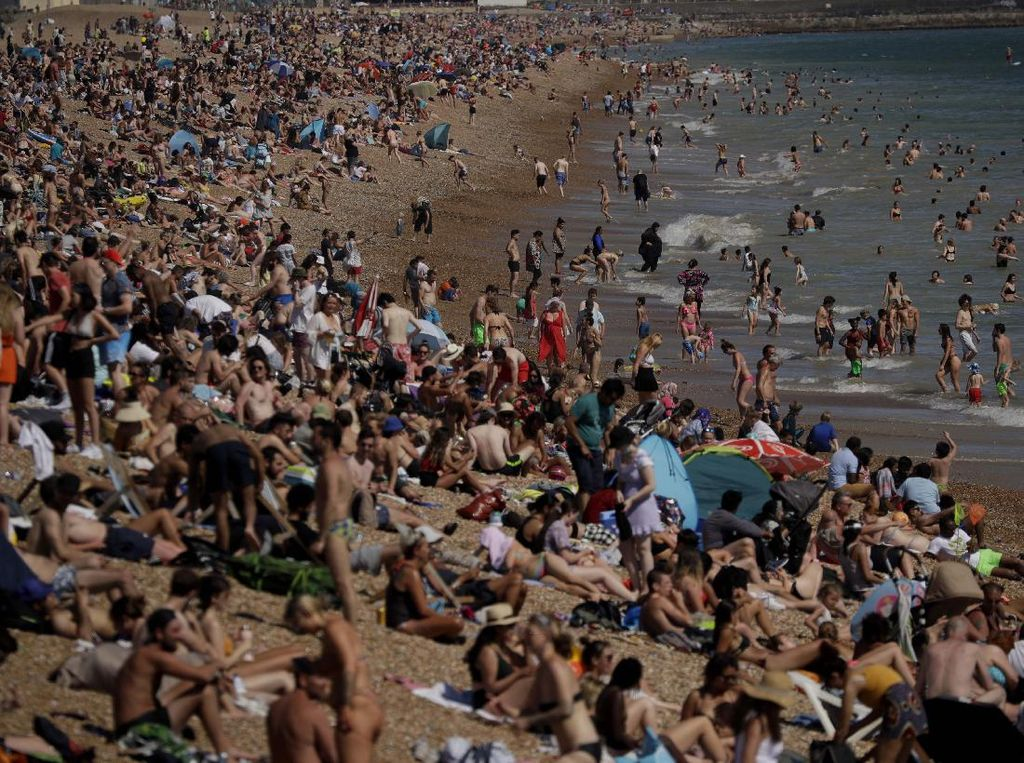 Gelombang Kedua Corona Terjang Skotlandia Gegara Liburan Musim Panas