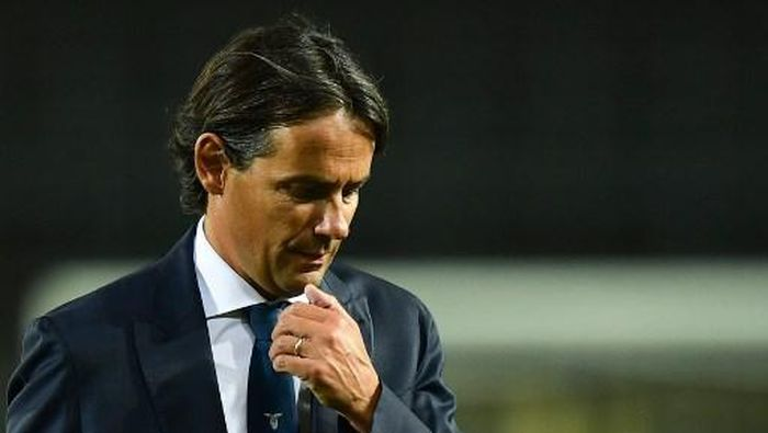 Lazios Italian head coach Simone Inzaghi reacts at the end of the Italian Serie A football match Atalanta vs Lazio played on June 24, 2020 behind closed doors at the Atleti Azzurri dItalia stadium in Bergamo, as the country eases its lockdown aimed at curbing the spread of the COVID-19 infection, caused by the novel coronavirus. (Photo by Miguel MEDINA / AFP)
