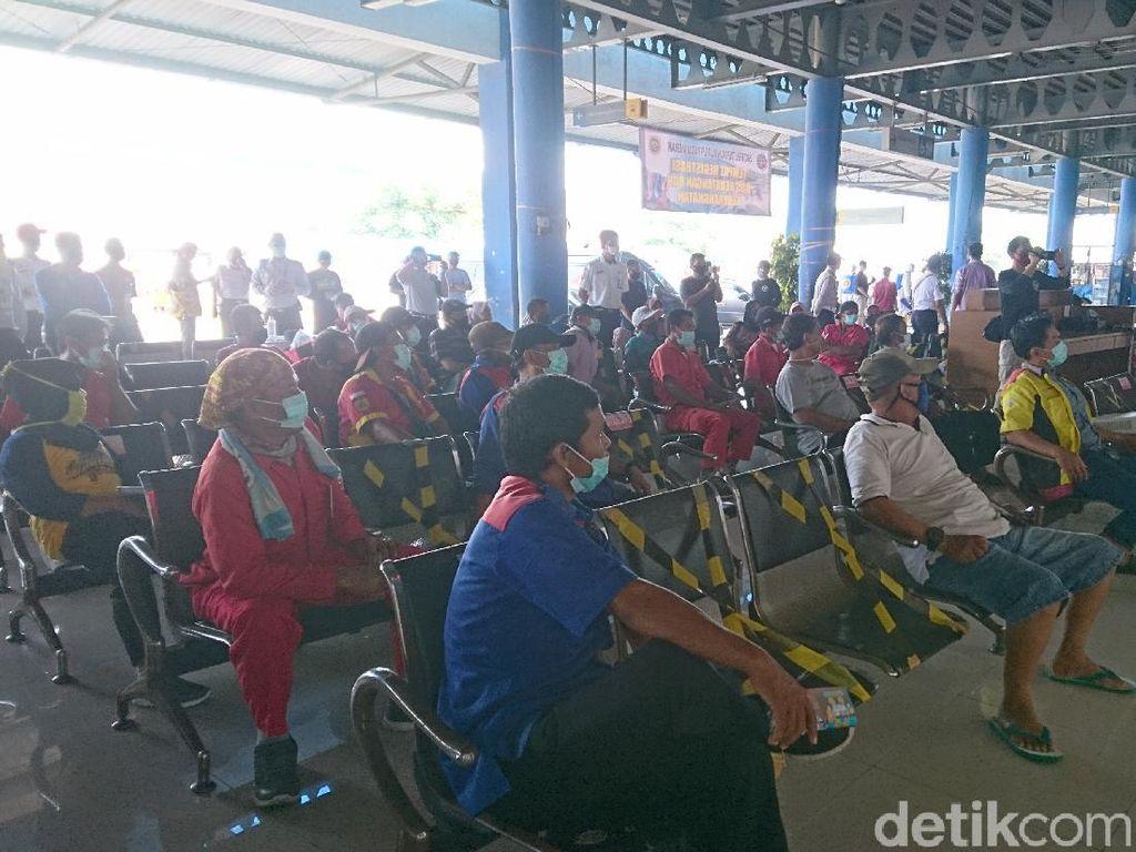 Road Show, BIN Edukasi Sopir Hadapi New Normal di Terminal Merak