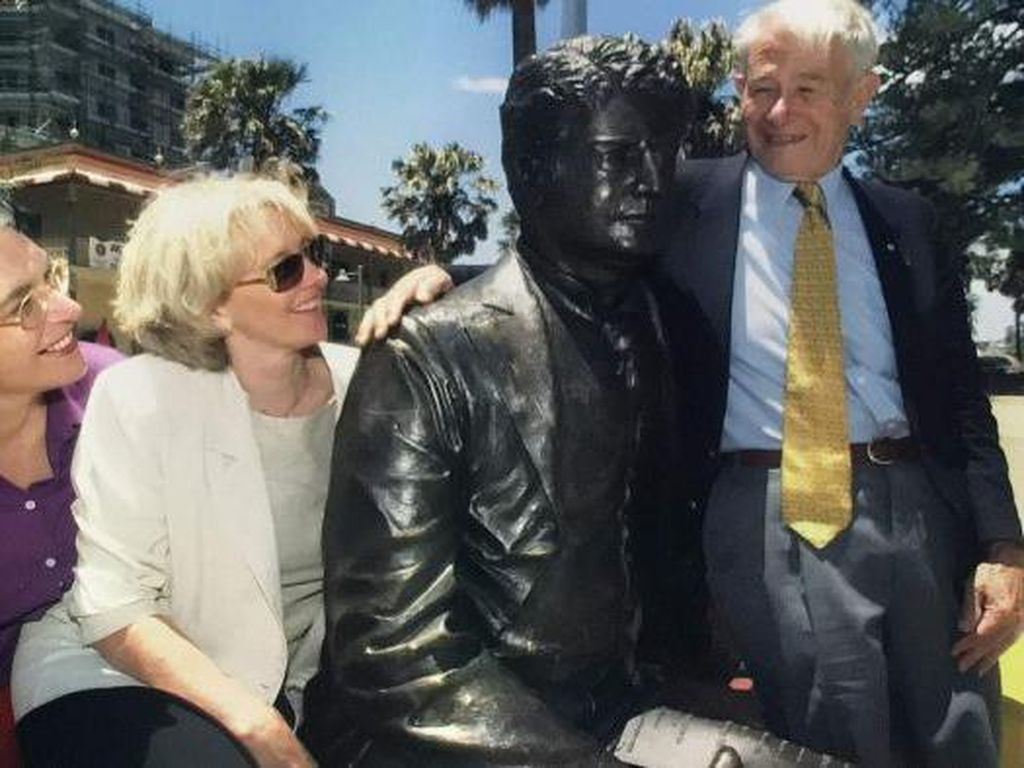 Cicit PM Pertama Australia Setuju Patung Kakek Moyangnya Diturunkan