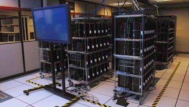 Condor Cluster, komputer super milik USAF yang dibuat dari 1760 PS3.