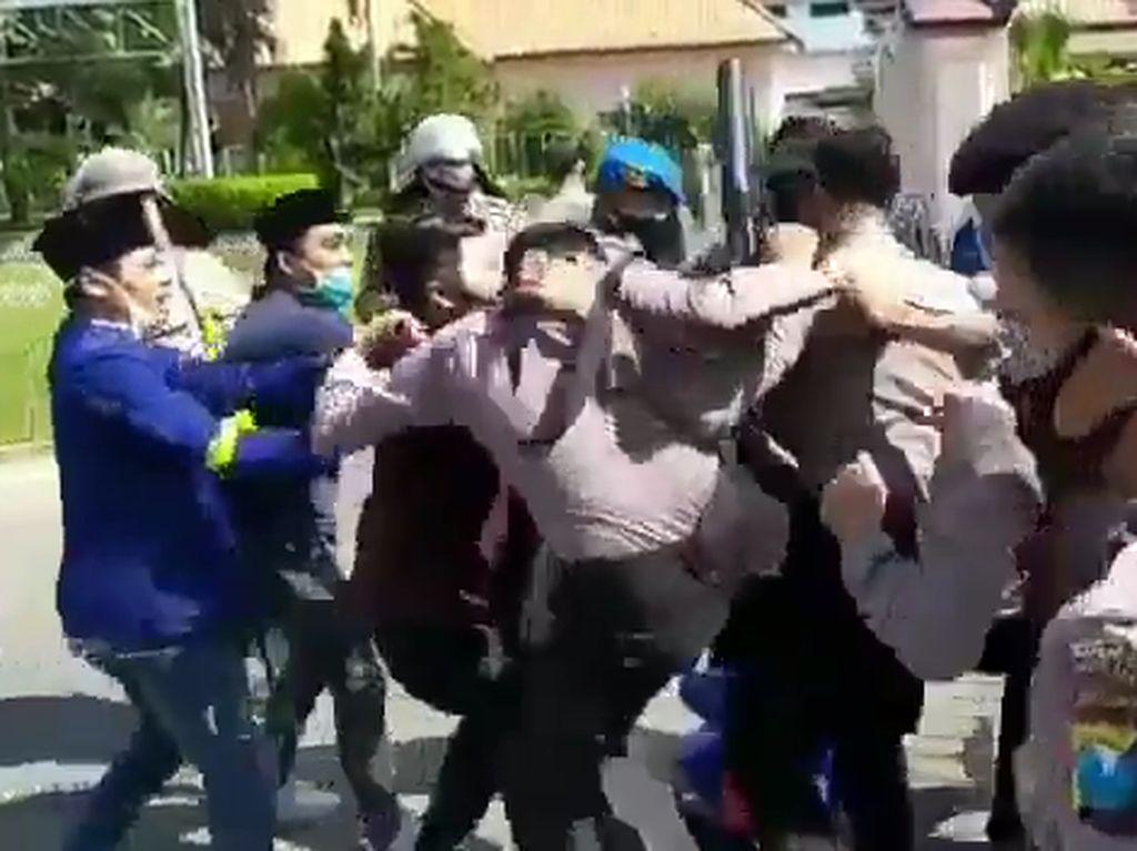 4 Oknum Polisi Jadi Terduga Pelaku Kekerasan Demo Mahasiswa di Pamekasan