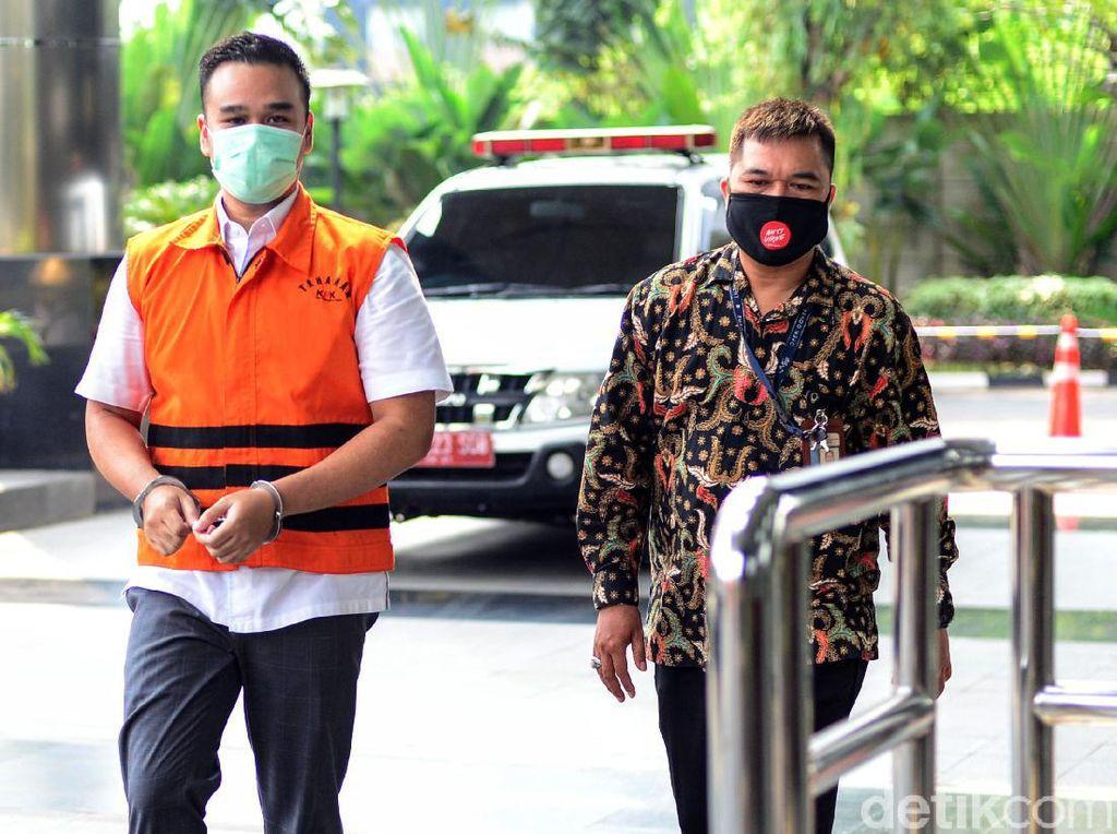 Jaksa Cecar Bukti Percakapan Saksi-Menantu Nurhadi soal Penggeledahan KPK