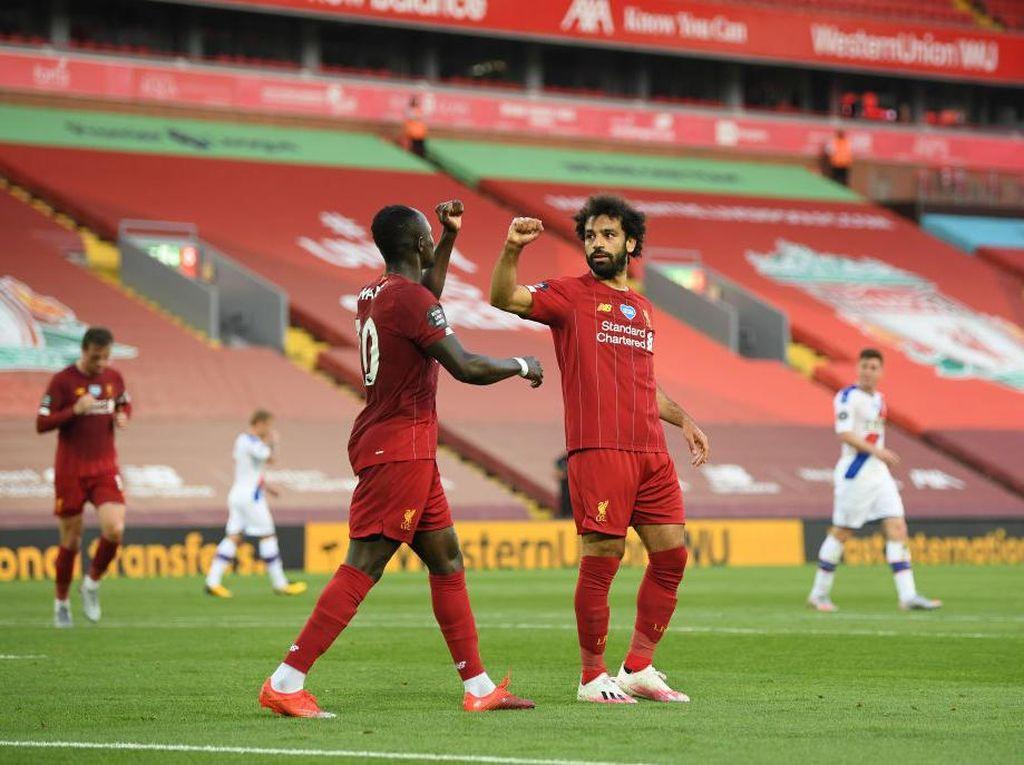 Persaingan Salah dan Mane Untungkan Liverpool
