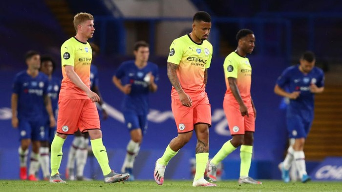 LONDON, ENGLAND - JUNE 25: Gabriel Jesus of Manchester City looks dejected during the Premier League match between Chelsea FC and Manchester City at Stamford Bridge on June 25, 2020 in London, United Kingdom. (Photo by Julian Finney/Getty Images)