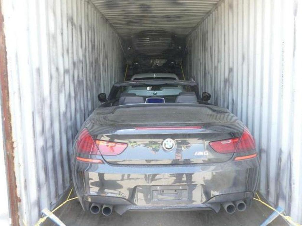 Polisi Italia dan Bea Cukai Kanada Gagalkan Penyelundupan 40 Mobil Mewah Curian