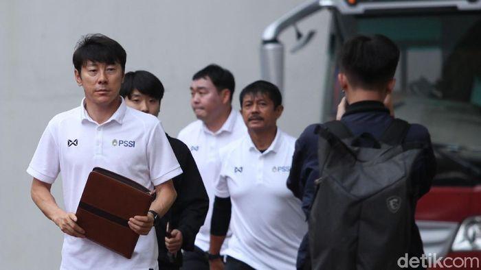 Shin Tae-Yong dan Indra Sjafri