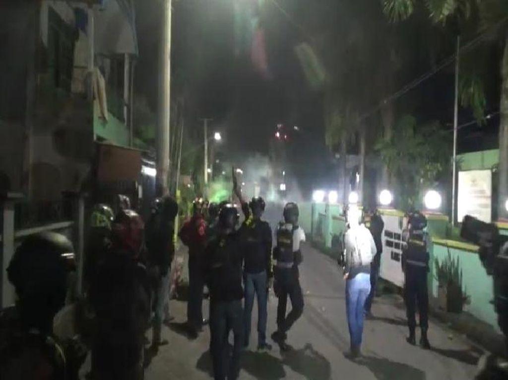 Polisi di Makassar Diserang Petasan dan Dipanah Saat Bubarkan Tawuran