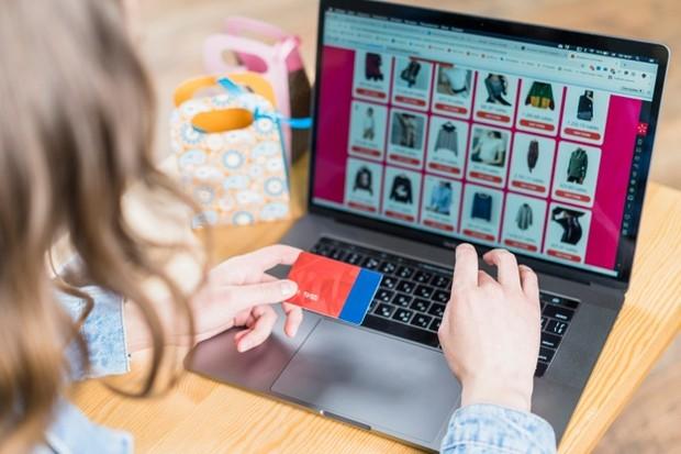 Memilih online shop terpercaya sangat penting untuk menghindari penipuan.
