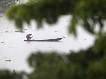 Banjir Rendam Assam India