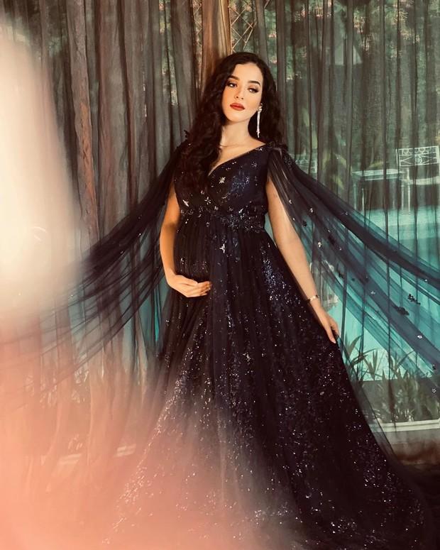 maternity shoot di rumah aja ala Tasya Farasya, all out dan keren abis!