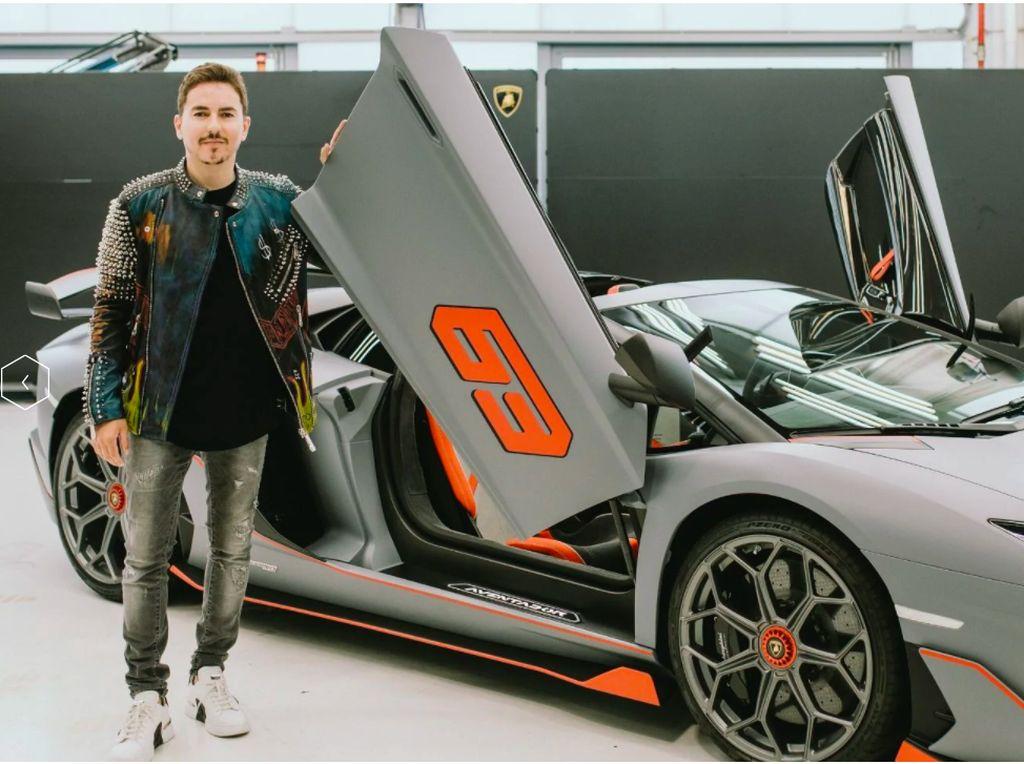 Lorenzo: Lamborghini Impian Para Pria