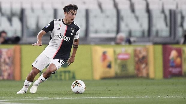 Juventus' Paulo Dybala in action during the Serie A soccer match between Juventus and Lecce, at the Allianz Stadium in Turin, Italy, Friday, June 26, 2020. (Fabio Ferrari/LaPresse via AP)