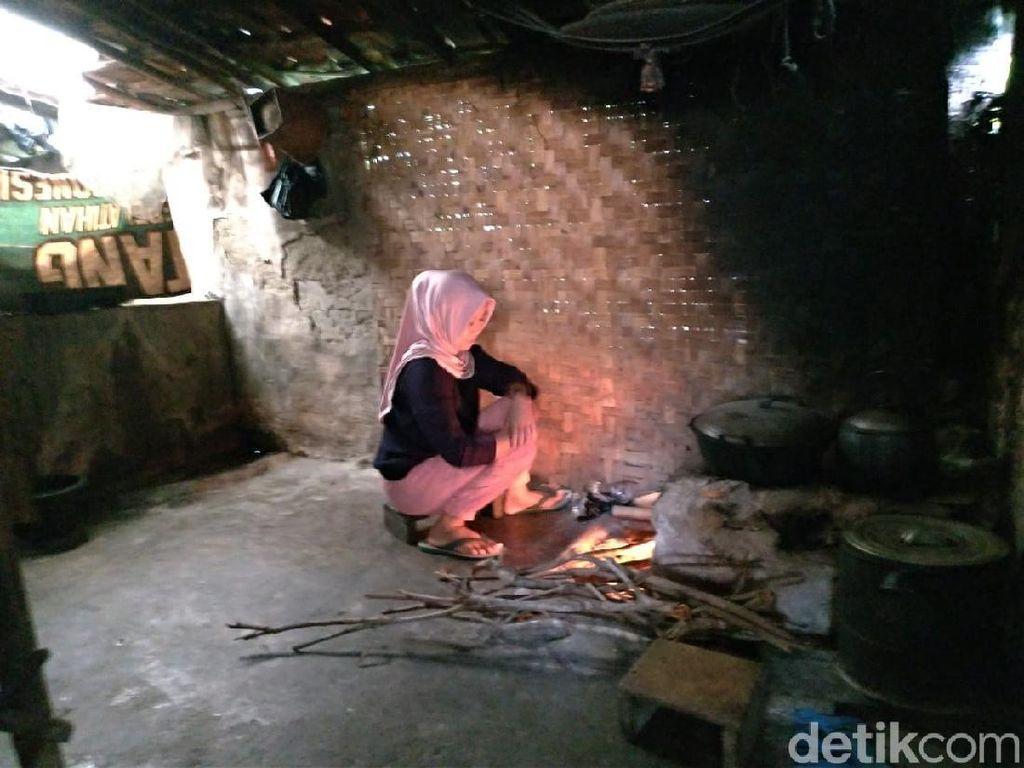 Satu Kampung di Perkebunan Teh Gununghalu Masih Gelap Gulita