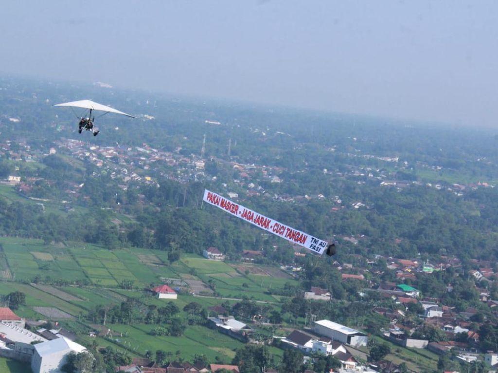 Banner Flight, Sosialisasi New Normal ala Lanud Adisutjipto-Jogja Flying Club