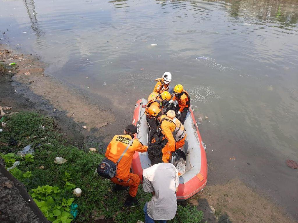 Warga yang Tenggelam di Banjir Kanal Barat Ditemukan Tewas
