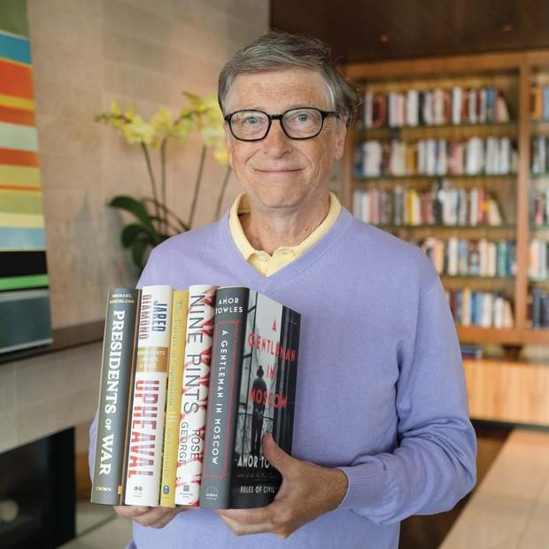 Pada tahun 2005 Bill Gates mendapatkan gelar dari Kerajaan Inggris Honorary Knighthood di tahun 2005.
