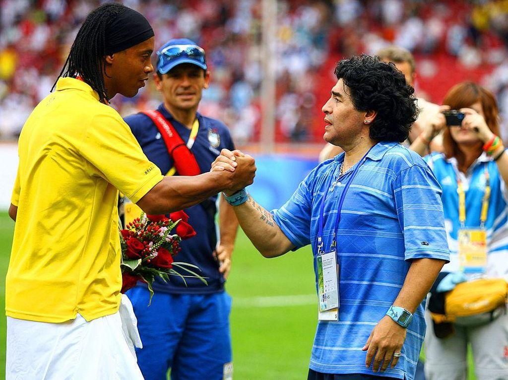 Ronaldinho Bakal Main Lagi di Klub Besutan Maradona?