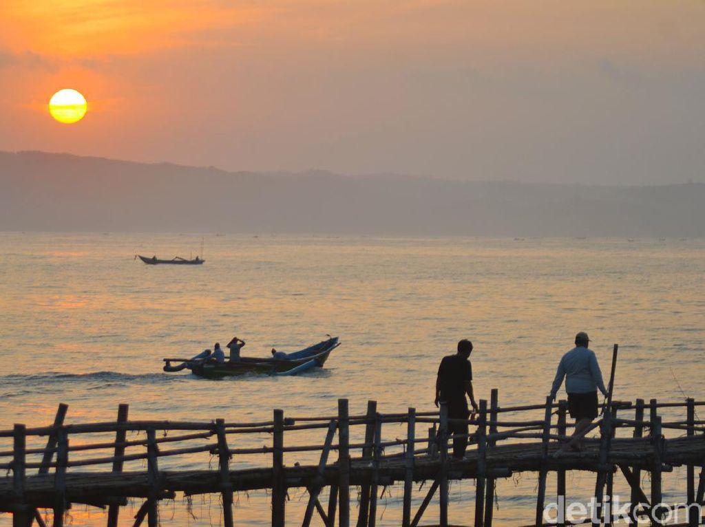 Syahdu dan Menenangkan, Menikmati Sunrise di Pantai Pangandaran