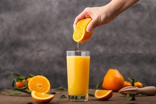 jus buah jeruk membantu melangsingkan badan dan mengatasi perut buncit