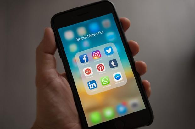 Online shop abal-abal menghindari WhatssApp
