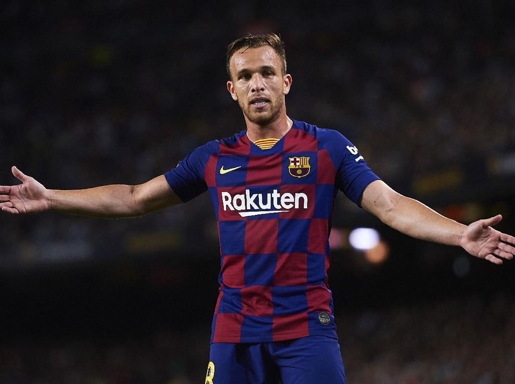 Arthur Dijual Barcelona, Gara-gara Pernah Kolongi Pelatih?