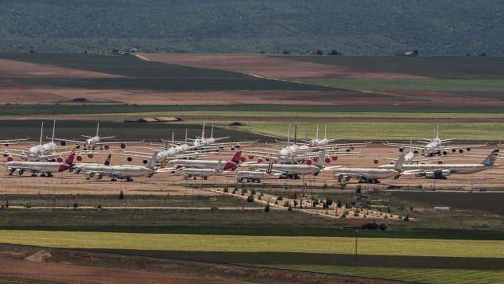 Foto: Keramaian di Bandara Hantu