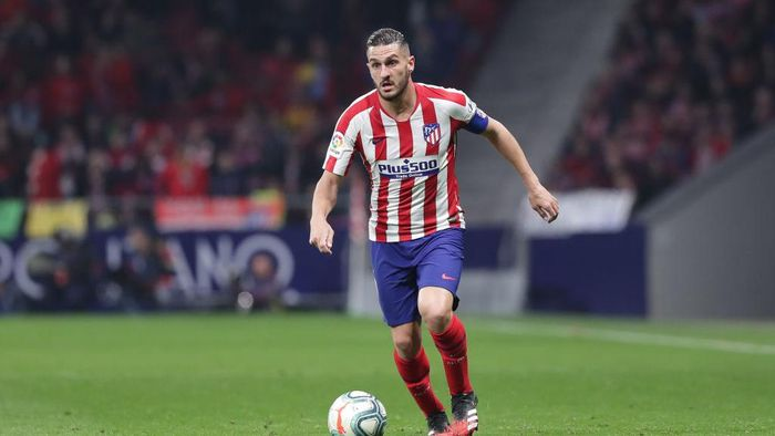 MADRID, SPAIN - FEBRUARY 23: Koke of Atletico de Madrid controls the ball during the Liga match between Club Atletico de Madrid and Villarreal CF at Wanda Metropolitano on February 23, 2020 in Madrid, Spain. (Photo by Gonzalo Arroyo Moreno/Getty Images)