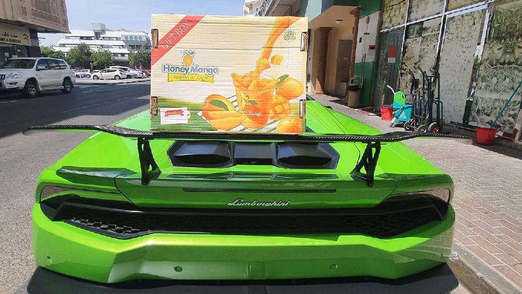 Potret Lamborghini Huracan Dipakai Buat Antar Mangga