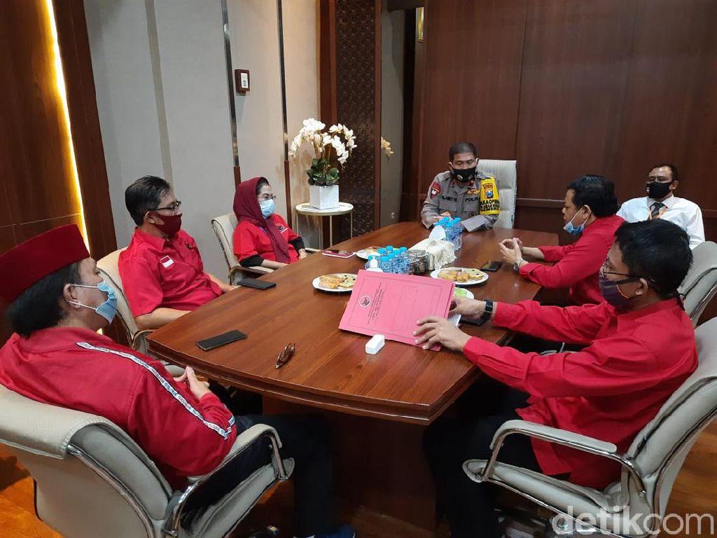 PDIP Jatim Resmi Laporkan Pembakaran Bendera Partai ke Polda