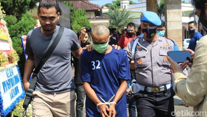 Pembunuh gadis di Bandung ditangkap polisi usai satu bulan buron