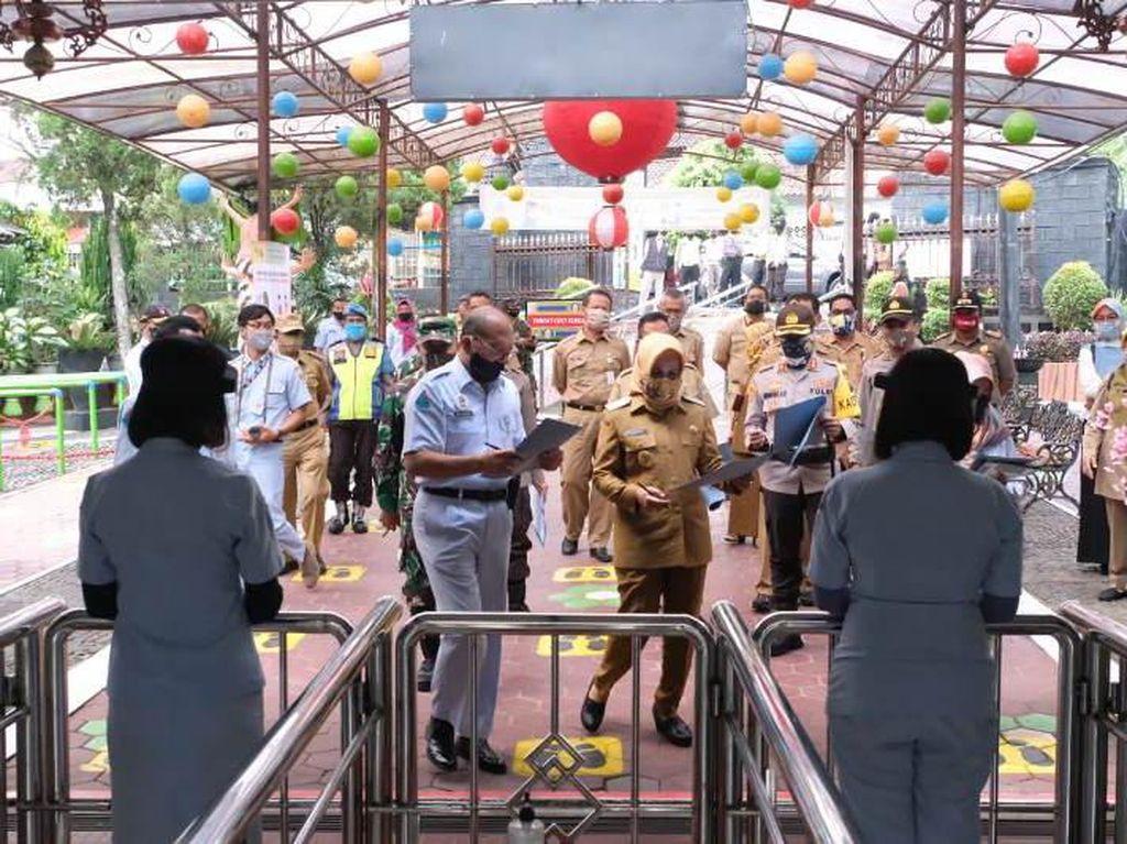 Pandemi COVID-19, Objek Wisata Taman Kyai Langgeng Rugi Miliaran