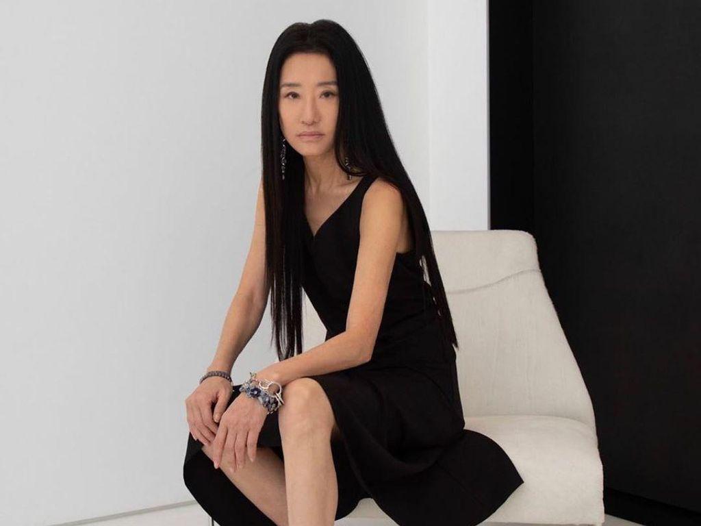Vera Wang Ungkap Rahasia Awet Muda, Masih Bisa Tampil Seksi di Usia 71