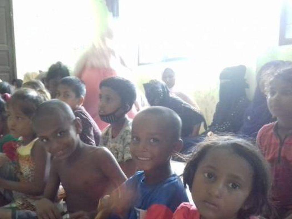 Warga Aceh Menuai Pujian Dunia Selamatkan 100 Pengungsi Rohingya di Laut