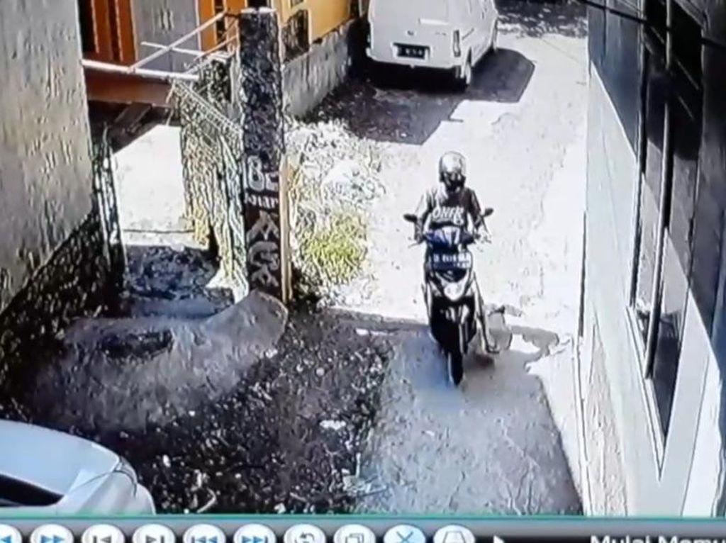 Viral Video Aksi Bikers Coba Rampas HP Bocah di Garut