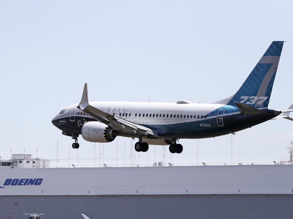 Masih Dikandangkan, Kapan Boeing 737 MAX Terbang Lagi?