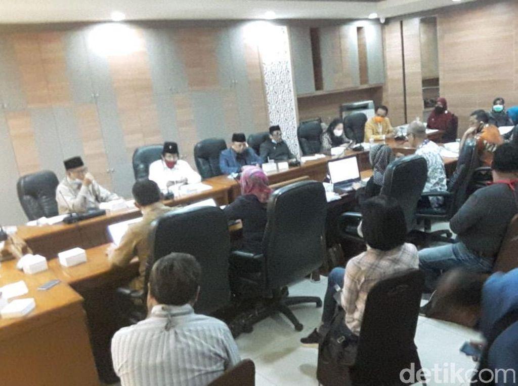 Ortu Siswa di Bandung Kembali Demo PPDB SMP Jalur Zonasi