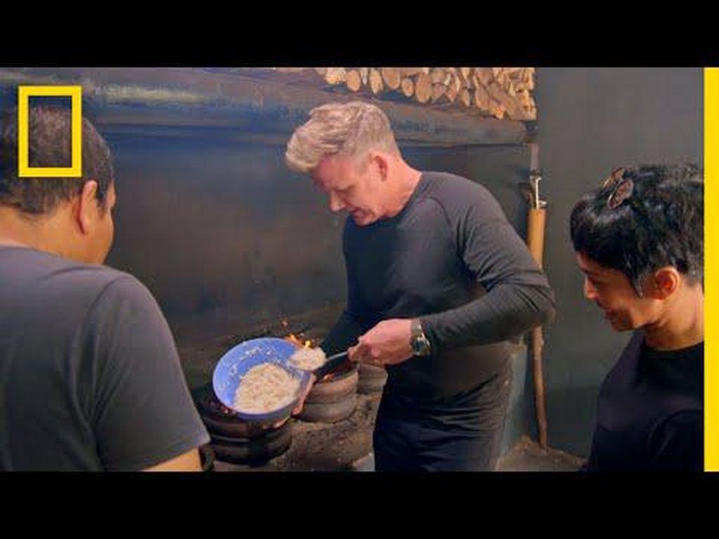 Gordon Ramsay Kepincut Bika hingga Dadiah di Uncharted Indonesia